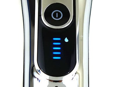 Braun Series 9 Electric Shaver cleaning indicator on display screen