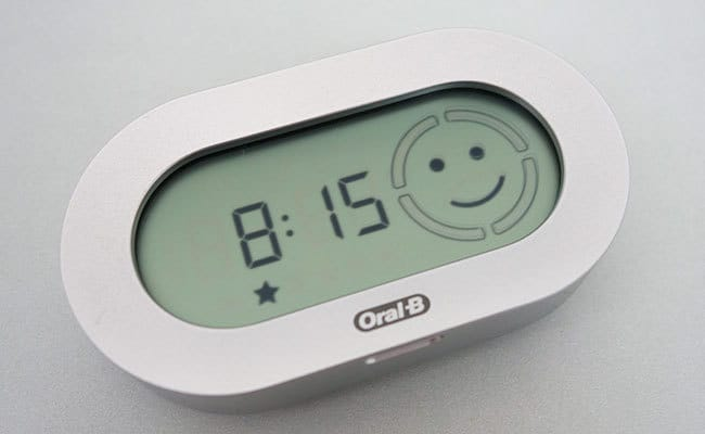 Oral-B White 7000 Smart Guide acting as a clock