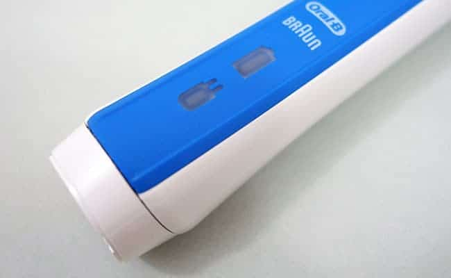Oral-B Pro 3000 Electric Toothbrush Battery Indicator Lights