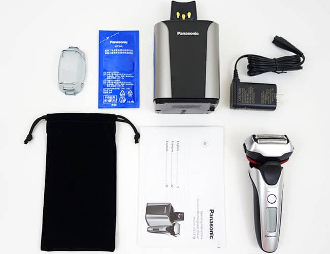 Panasonic Arc 3 electric shaver and accessories that come in the box