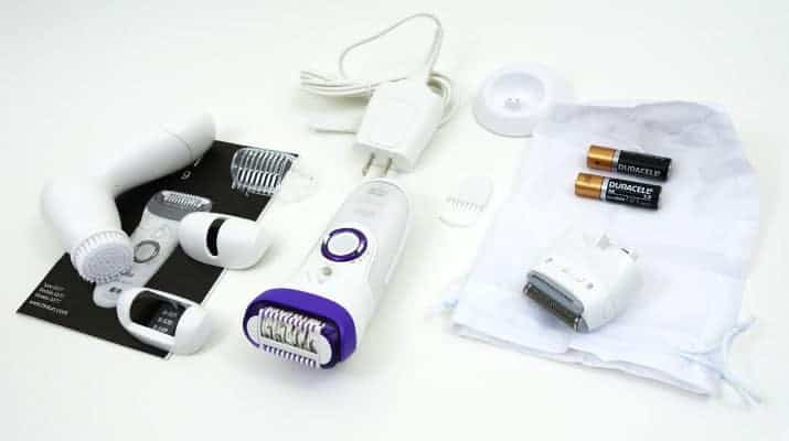 Braun Silk Epil 9 epilator and accessories that come in the box