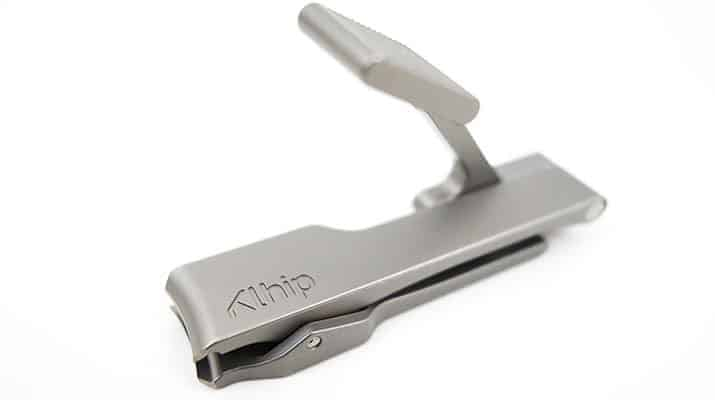 Khlip Ultimate nail clipper ready for use