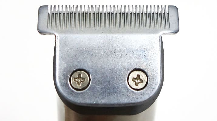 Wahl Lithium Ion Plus Stainless Steel close up on t-blade trimmer