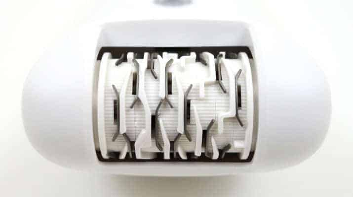 Braun silk epil 5 epilator wet and dry close up on epilation head