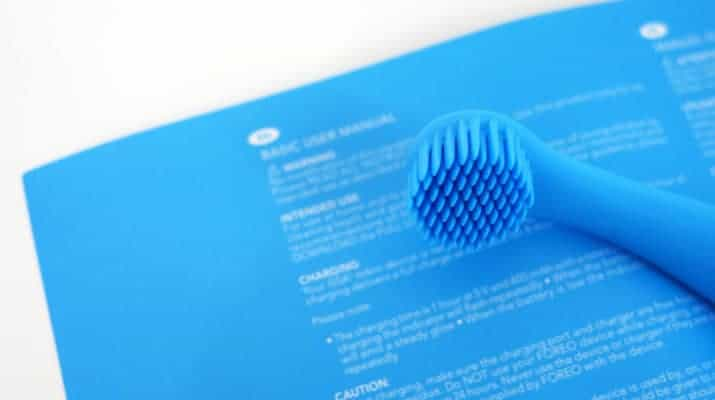Foreo Issa Mikro instruction manual compared to brush head