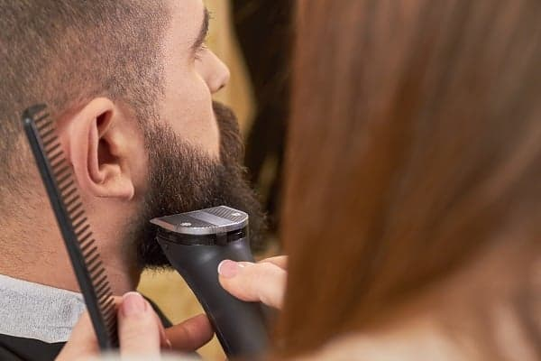 Philips Norelco Beard Trimmer 3500 Review – Cordless, High-End and Affordable