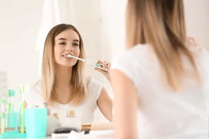 Aquasonic Toothbrush Review